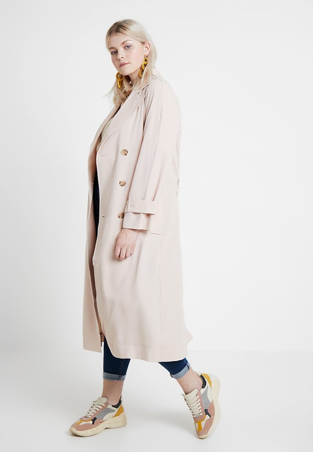 EXCLUSIVE TAMAR - Trenchcoat - blush