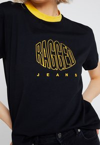 Ragged Jeans - EMBROIDED RINGER - T-shirt imprimé - black - 4