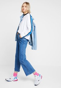 Ragged Jeans - Flared Jeans - mid blue - 2
