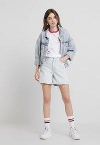 Ragged Jeans - Jeansshort - stone - 1