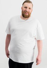 Ragman - 2 PACK - Basic T-shirt - white - 1