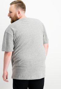 Ragman - 2 PACK - Basic T-shirt - grey - 2