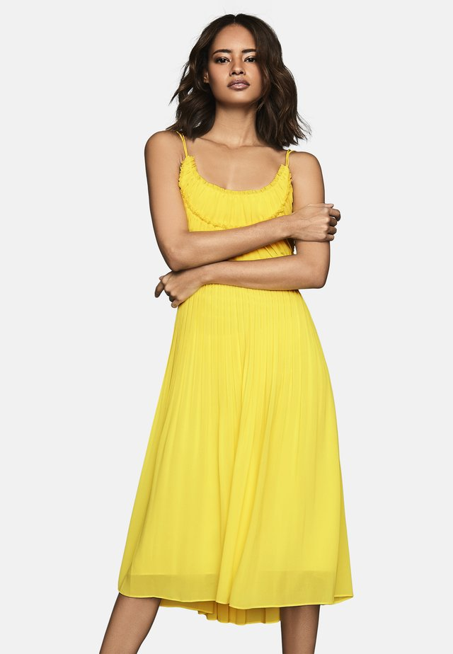 THORA - Day dress - yellow