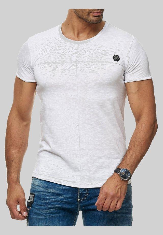 MIT BRANDLOGO - Print T-shirt - weiß
