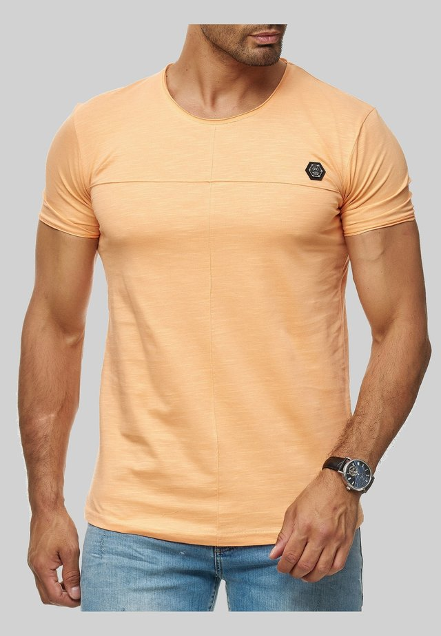 MIT BRANDLOGO - Print T-shirt - orange