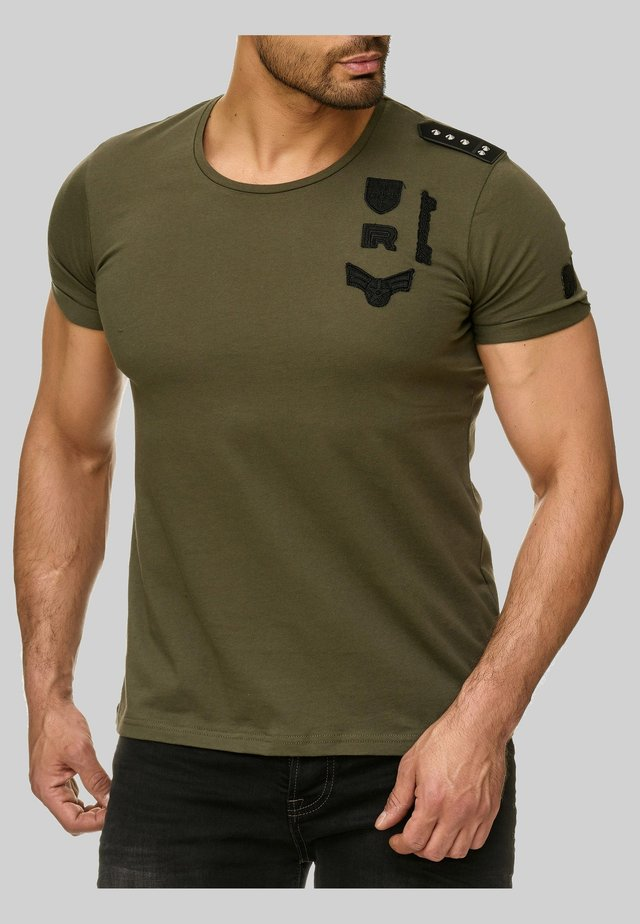MIT PATCHES - Print T-shirt - khaki