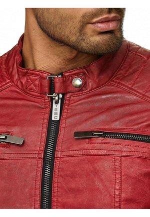 NAPERVILLE MIT ROCKIGER STEPPUNG - Leather jacket - rot