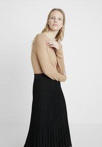 Derhy - OAKLAND - A-line skirt - black - 3