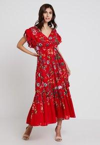 Derhy - FLAMENCO ROBE - Vestido largo - rouge - 0