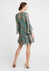 Derhy - FULL - Vestido informal - green - 2