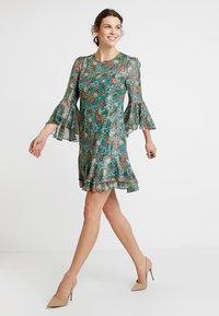 Derhy - FULL - Vestido informal - green - 1
