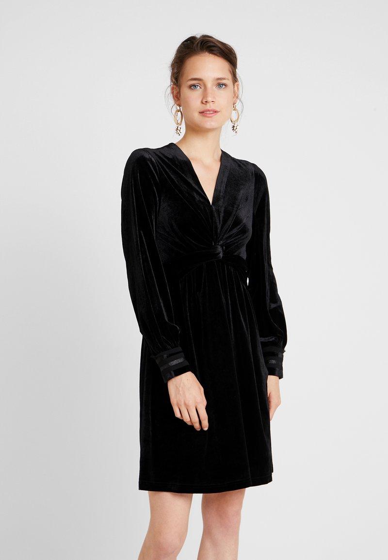 Derhy - MAISONNETTE - Cocktailkleid/festliches Kleid - black