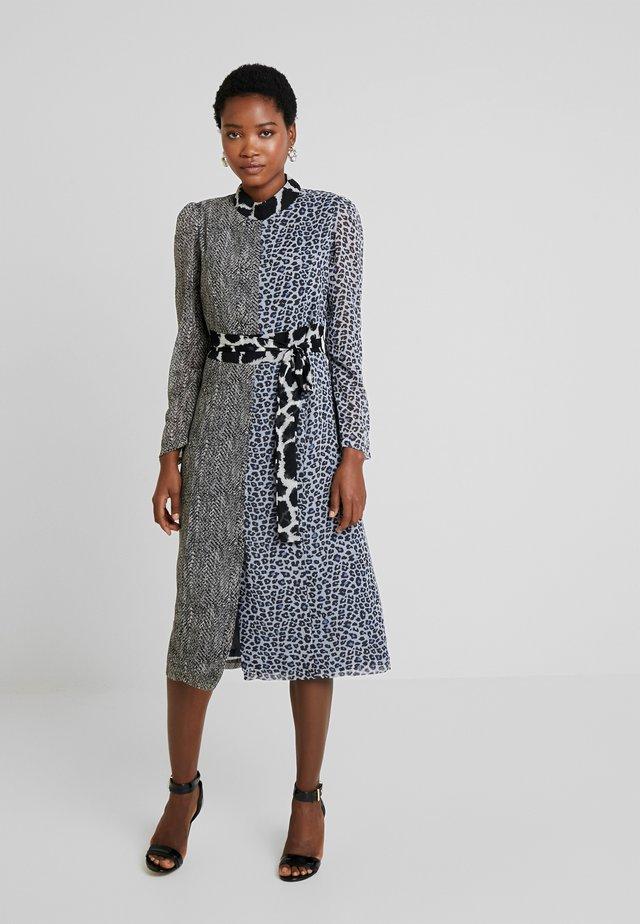 BARCELONE - Vapaa-ajan mekko - grey