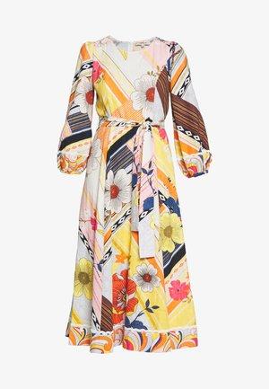 CABOTEUR - Korte jurk - yellow