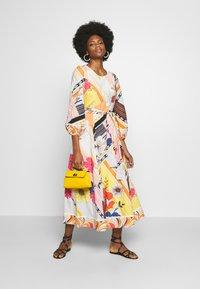 Derhy - CABOTEUR - Korte jurk - yellow - 1