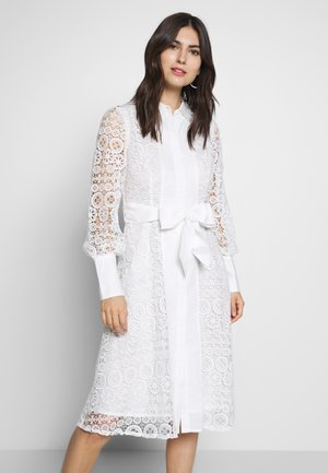 ABREUVOIR - Robe d'été - white