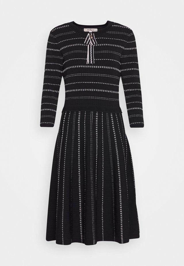 DECEMBRE ROBE - Stickad klänning - black