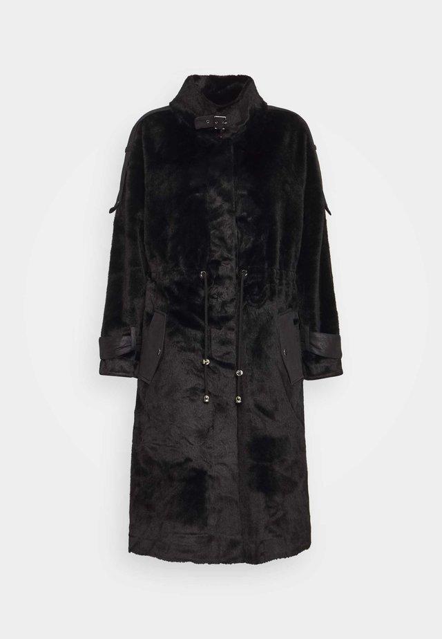 SAGESSE - Classic coat - black