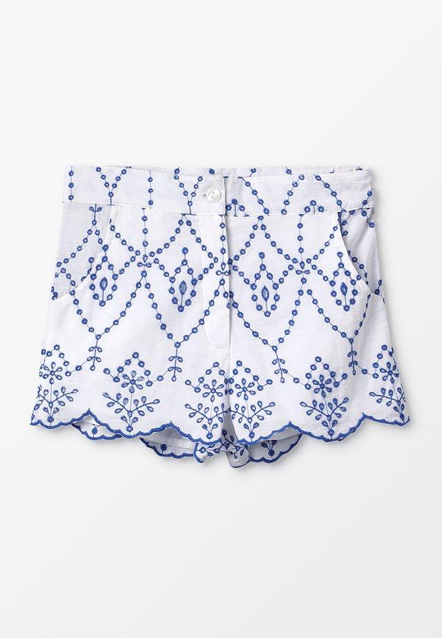 MAELLE - Shorts - blanc/bleu
