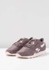 Reebok Classic - CLASSIC NYLON - Sneakers basse - almost grey/pale pink - 4