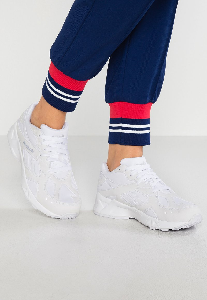 Reebok Classic - AZTREK - Sneaker low - white/cold grey