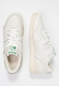 Reebok Classic - WORKOUT PLUS - Trainers - chalk/paper white/green - 3