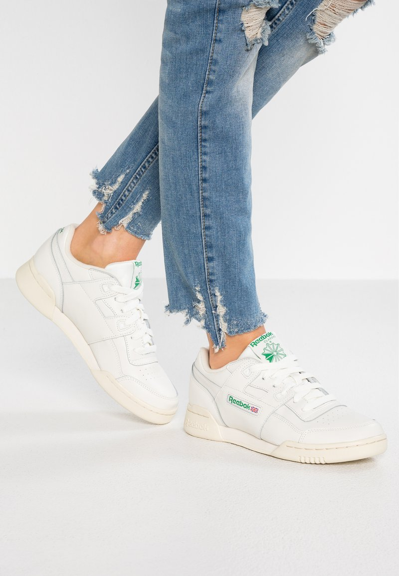 Reebok Classic - WORKOUT PLUS - Trainers - chalk/paper white/green