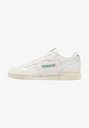 WORKOUT PLUS - Sneakers - chalk/paper white/green