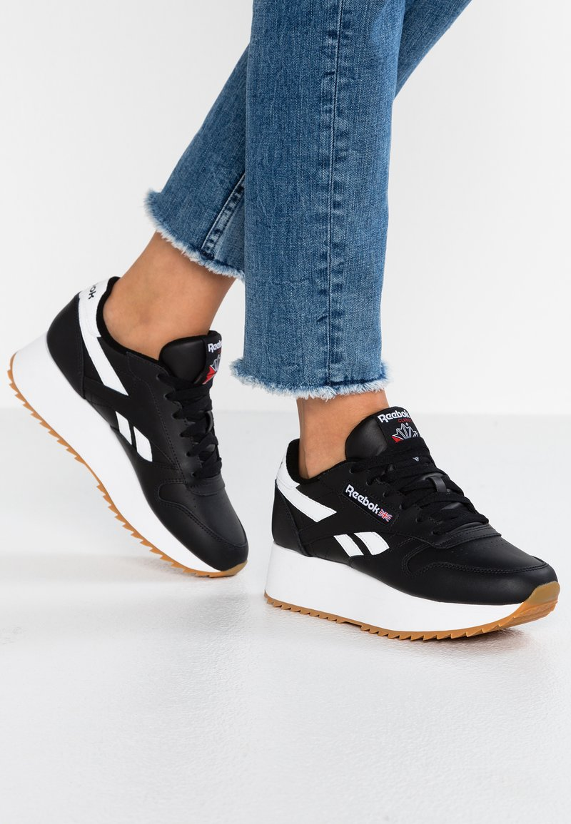 Reebok Classic - DOUBLE - Trainers - black/white/primal red