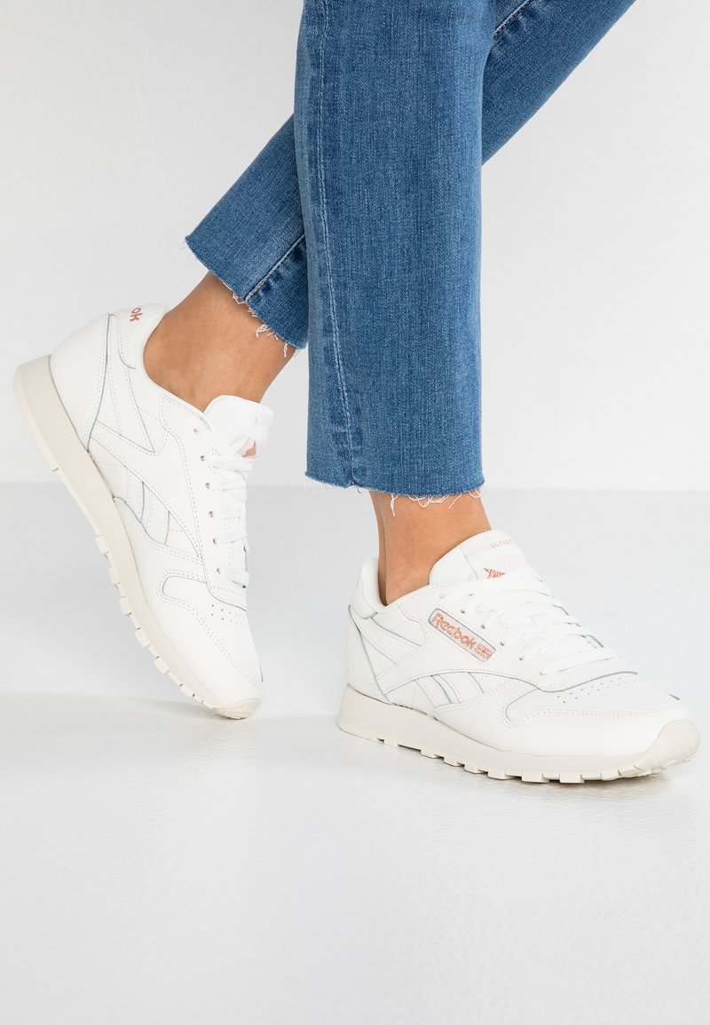 Reebok Classic - Trainers - chalk/rose gold/paper