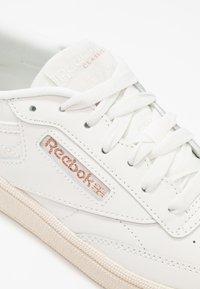 Reebok Classic - CLUB C 85 - Sneaker low - chalk/rose gold/paper - 2