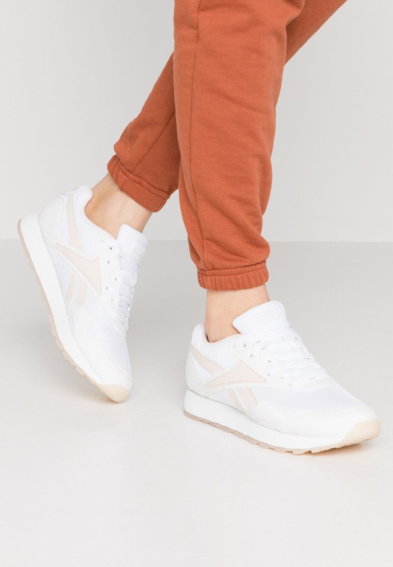 Reebok Classic - RAPIDE  - Trainers - white/pale pink