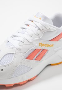 Reebok Classic - AZTREK - Trainers - white/stellar pink - 6