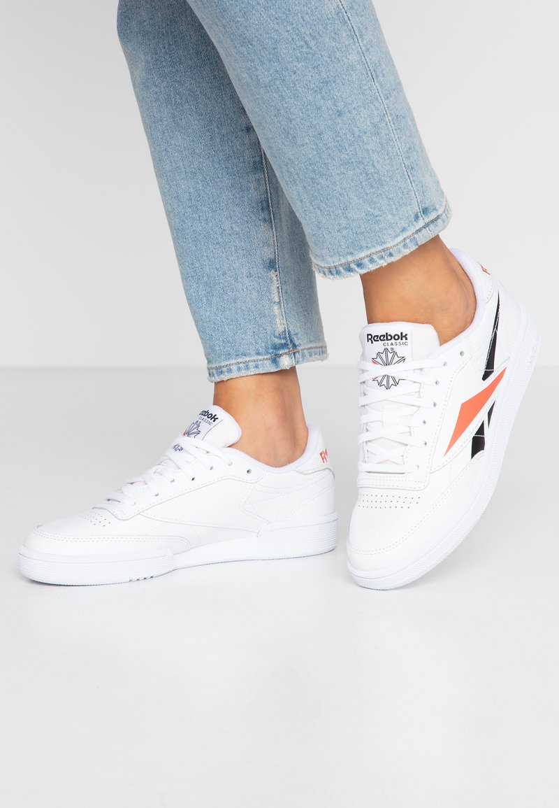 Reebok Classic - CLUB C 85 LIGHT LEATHER UPPER SHOES - Sneakers laag - white/black/rosett