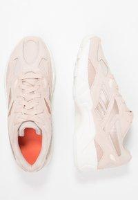 Reebok Classic - AZTREK 96 - Trainers - buff/chalk/pink/orange - 3