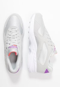 Reebok Classic - TORCH HEX LIGHT BREATHABLE SHOES - Trainers - grey/grape/neon red - 3