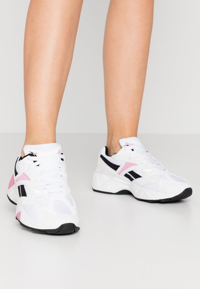 AZTREK 96  - Joggesko - white/pink/black