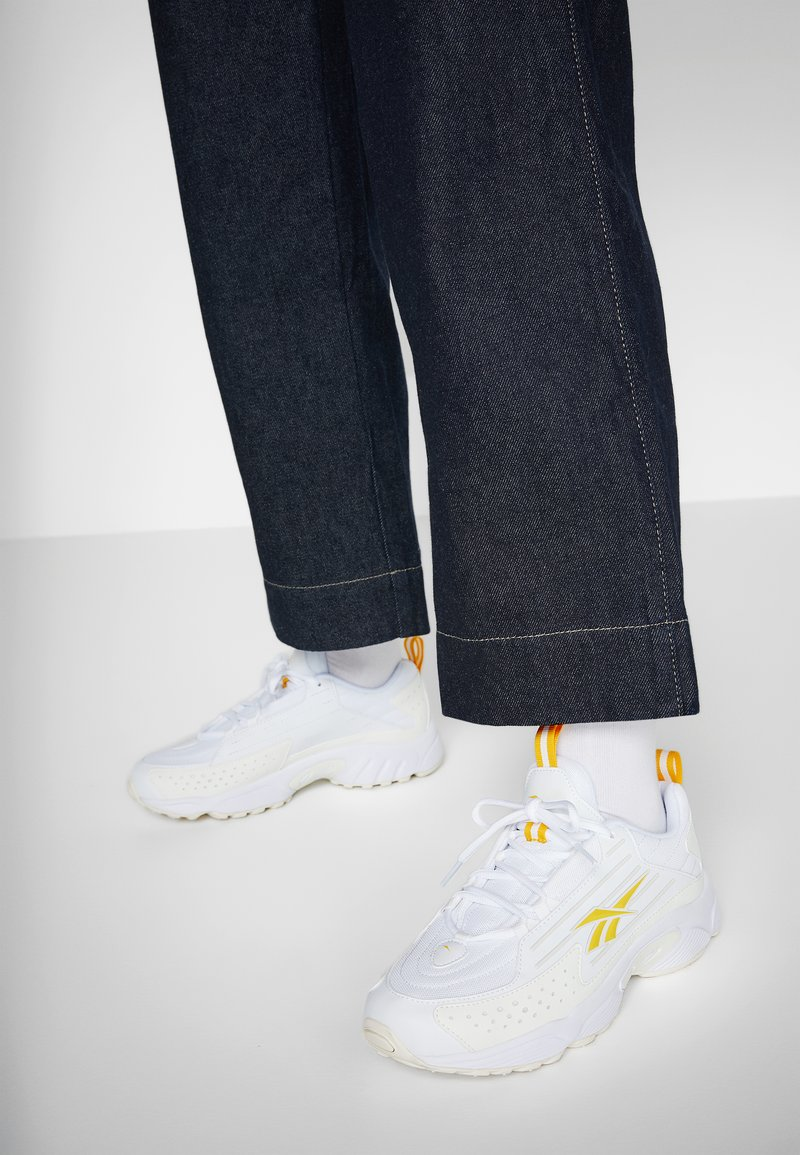 Reebok Classic - DMX SERIES 2K SOFT SUPPORTIVE FEEL - Sneakers laag - white/chalk/toxic yellow