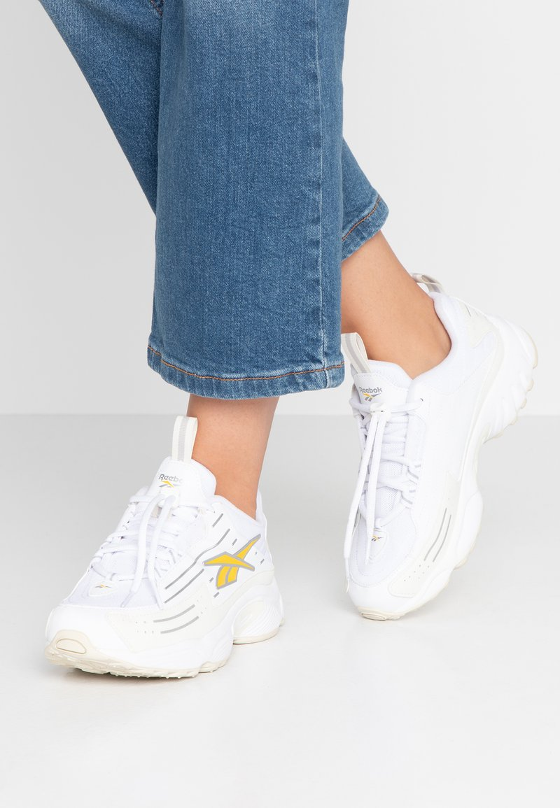 Reebok Classic - DMX SERIES 2K SOFT SUPPORTIVE FEEL - Joggesko - white/chalk/toxic yellow