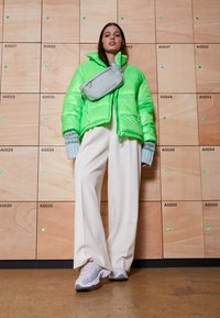 Reebok Classic - DMX SERIES 2K SOFT SUPPORTIVE FEEL - Sneakers laag - porcel/grey/emerald - 3
