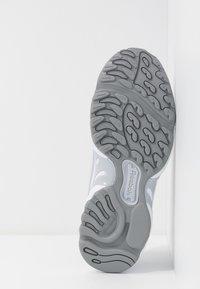 Reebok Classic - DMX SERIES 2K SOFT SUPPORTIVE FEEL - Sneakers laag - porcel/grey/emerald - 8
