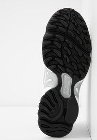 Reebok Classic - DMX SERIES 2K SOFT SUPPORTIVE FEEL - Sneakersy niskie - white/hyper pink/cobalt - 8