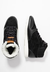 Reebok Classic - ARCTIC - High-top trainers - black/purple/chalk