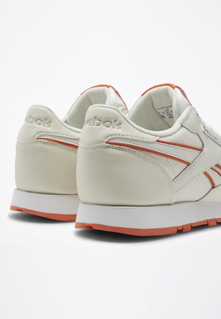 Reebok Classic CLASSIC LEATHER SHOES - Sneaker low - white - Black Friday