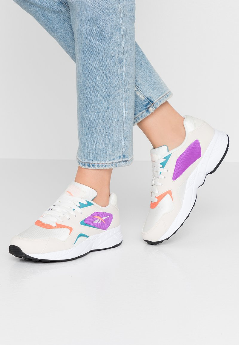 Reebok Classic - TORCH HEX LIGHT BREATHABLE SHOES - Trainers - chalk/pink/grape/white