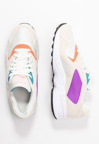 Reebok Classic - TORCH HEX LIGHT BREATHABLE SHOES - Trainers - chalk/pink/grape/white - 3