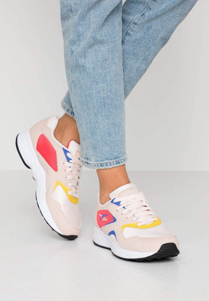 Reebok Classic - TORCH HEX LIGHT BREATHABLE SHOES - Baskets basses - pale pink/cobalt/yellow