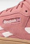Reebok Classic - REVENGE PLUS - Sneaker low - baked clay/pale pink