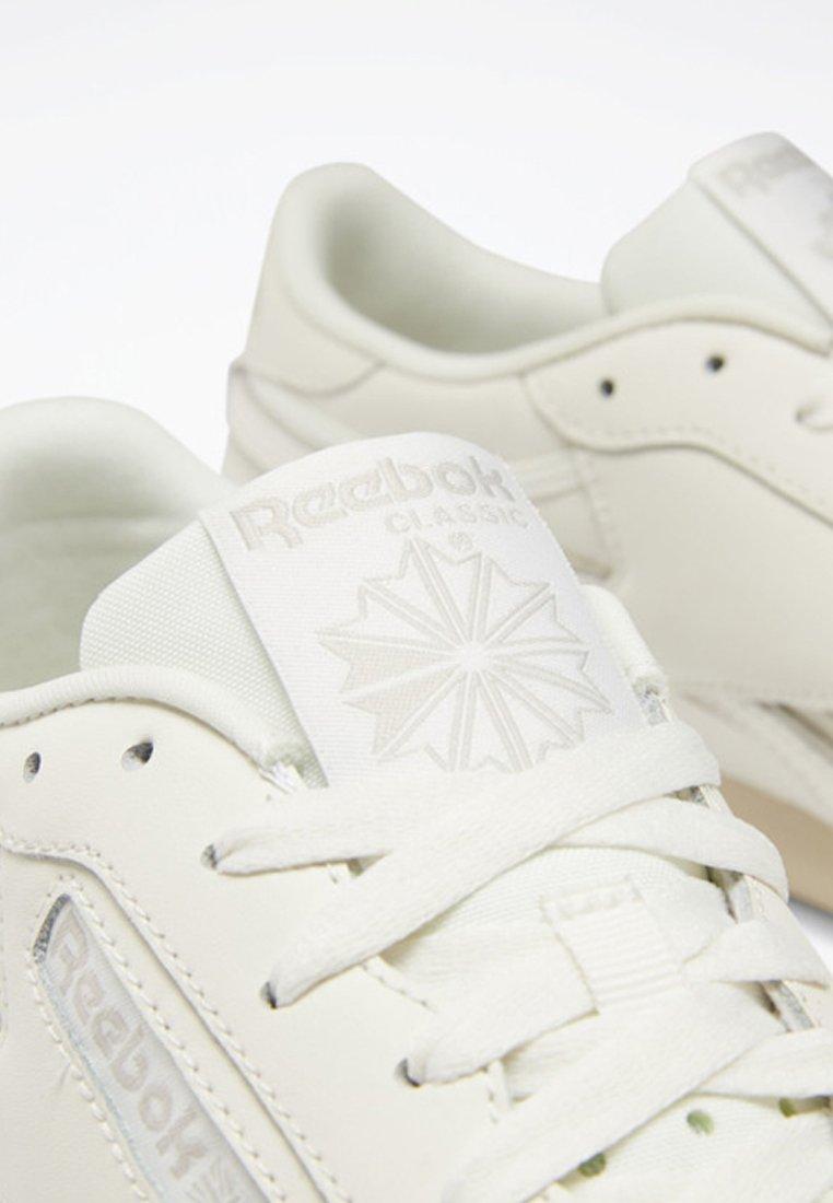 CLUB C REVENGE PLUS SHOES Baskets basses white