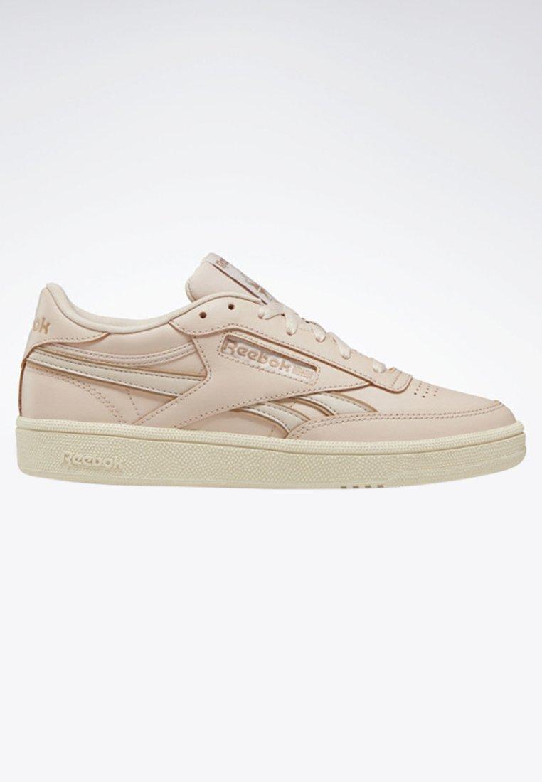 Classic Basses Club Revenge Reebok Plus ShoesBaskets C Buff rdxhQBCots